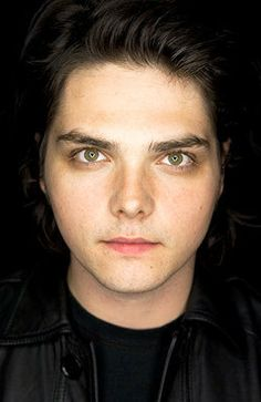 Gerard Way (those eyes though)