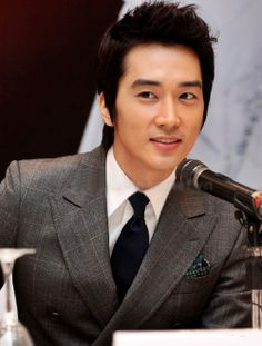#SongSeungHeon so handsome!!!