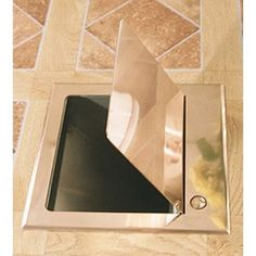 Hide all that messy trash by adding this Ariege Rubbish Chute to your counters. Ideal for both commercial and residential spaces.