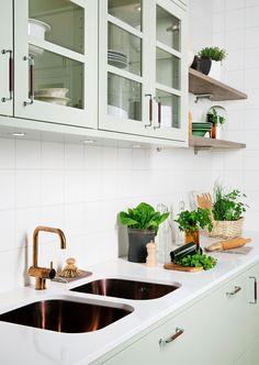 Grønt kjøkken med landlig følelse – Bistro lindblomstgrønn | Drømmekjøkkenet