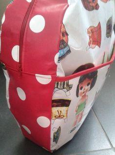 Omdat ik, meer dan gemiddeld, de bevolkingsgroei vertegenwoordig, heb ik in het kader van het nieuwe schooljaar boekentasjes nodig. Ik hou e...