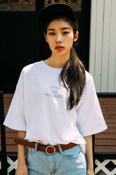 #mixxmix URBAN T-Shirt (BZGE) Wear this classic t-shirt if you want a perfect blend of contemporary style and comfort. #mxm #hideandseek #has #365basic #bauhaus #99bunny #heartclub #younggirlsfashion #koreanfashiontrend #streetfashion #dailyoutfit #koreanfashionstore #twinlook #twinslook #sisterlook