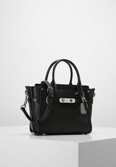 4cf521e1a6f ¡Consigue este tipo de bolso de mano de Coach ahora! Haz clic para ver