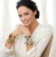 andreea_marin_barbat_01_2bddad0ad7 Romanian Women, Celebrity Style, Beautiful Women, Brooch, Celebrities, Inspiration, Beauty, Jewelry, Inspired