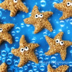 Under the Sea Party: Fishy Fun with Ocean Party Ideas. Dive into the fun with some Under the Sea Party ideas. Be sure to check out all of our Under the Sea Party Inspiration as well as all our Beach Party Ideas. Birthday Brunch, 1st Birthday Parties, Birthday Kids, Kid Parties, Rice Krispies, Krispie Treats, Party Fotos, Mermaid Theme Birthday, Snacks Für Party