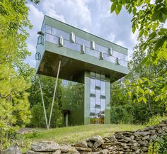 GLUCK+'s Tower House Residence Treads Lightly on the Land #architecture trendhunter.com