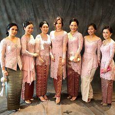 Wedding Dresses Colored Modern New Ideas Vera Kebaya, Kebaya Lace, Kebaya Hijab, Kebaya Dress, Batik Kebaya, Kebaya Muslim, Model Kebaya Modern Muslim, Modern Kebaya, Model Kebaya Brokat Modern