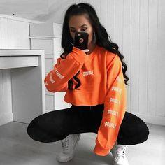 Crop Top Hoodie Letter Printed Short Harajuku O-Neck Long Sleeve Pullovers Orange Cropped Hoodie Womens Sweatshirt Outfit, Cropped Hoodie Outfit, Hoodie Sweatshirts, Sports Sweatshirts, Crop Top Hoodie, Sporty Outfits, Cute Outfits, Fashion Outfits, Sweat Shirt