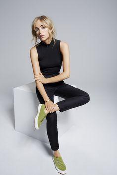 Suki Waterhouse models her new range of footwear for Superga Photography Poses, Fashion Photography, Cara Delevigne, Style Photoshoot, Suki Waterhouse, Model Test, Mode Editorials, Fashion Designer, Fashion Poses