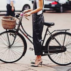 back bike urban cycling