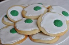 Dr. Seuss - Green Eggs and Ham Cookies~ Love that idea!