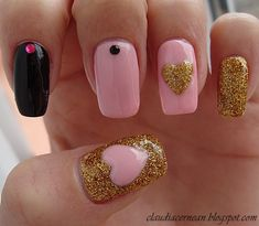 Pink and Gold Nails - http://claudiacernean.blogspot.ro/2013/02/unghii-roz-cu-auriu-pink-and-gold-nails.html