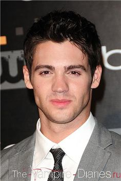 Steven R McQueen (grandson of Steve McQueen) Vampire Diaries, Piranah The Vampire Diaries Jeremy, Vampire Diaries The Originals, Steve R Mcqueen, Dramas, Michael Angarano, Raining Men, Hollywood Actor, Hollywood Actresses, Attractive People