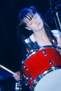 Meg White, Jack White, Girl Drummer, Aestheticly Pleasing, Split Dyed Hair, Photographs And Memories, Greys Anatomy Memes, Women Of Rock, The White Stripes