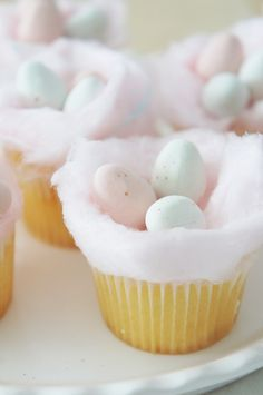 Vanilla Cotton Candy Easter Cupcakes from @cydconverse