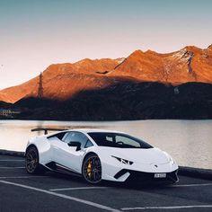 Huracan Lamborghini, Sports Cars Lamborghini, Futuristic Cars, Top Cars, Modified Cars, Car Photography, Car Wallpapers, Amazing Cars, Fast Cars
