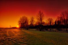 Glowing Sunrise by Chris Lockwood, via 500px