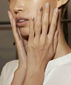 From nude nails and empty space manicures to silver touches and French tips these fresh takes on nail polish—inspired by the spring runways—are sure to breath new life into your next manicure. Nude Nails, Nail Manicure, Gel Nails, Nail Polishes, Minimalist Nails, Nagel Blog, Nail Trends, Natural Nails, Nails Inspiration