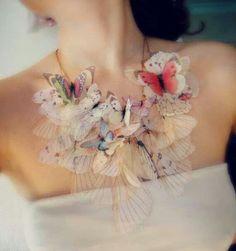 나비 목걸이