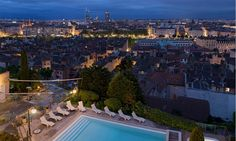 Appartement Lumière in Lyon, France #appartment #lyon #cityview #nightlights