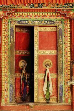 One of the doors at Lamayuru monastery, India Cool Doors, Unique Doors, When One Door Closes, Door Gate, Door Knockers, Closed Doors, Doorway, Tibet, Windows And Doors