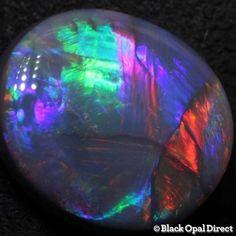 Top gem color of a black opal