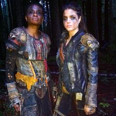 The 100 cast behind the scenes || Indra and Octavia Blake || Adina Porter and Marie Avgeropoulos