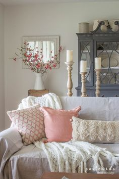 Beautiful Living Room Inspiration | White and Blush | Decorating with Throw Pillows | Blush Accent Pillows