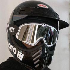 Lid set up @svartguy401 🙌 Helmet: Bell Moto 3 in gloss black Goggles: 100% Barstow Classic Coda Goggles Bell Moto 3, Motorcycle Riding Gear, Gears, Helmet, Classic, Black, Derby, Gear Train, Hockey Helmet