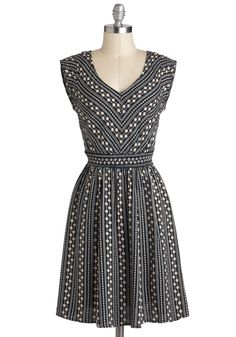 Daisy Chain of Events Dress. Transition beautifully from afternoon occasions to elegant evening outings in this darling, daisy-print dress! #blue #modcloth
