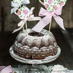Schoko-Rum-Gugelhupf German Cookies, Decoration Originale, Tea Time, Happy Birthday, Desserts, Food, Cakes, Simple, Party