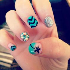 Super cute summer nails! These are simply adorable! Love 'em!