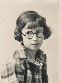 Portrait of a school girl with round glasses by simpleinsomnia Undated Vintage Pictures, Old Pictures, Vintage Images, Old Photos, Girl Photos, What Is A Portrait, Vintage Photography Women, Best Portrait Photographers, Awkward Girl