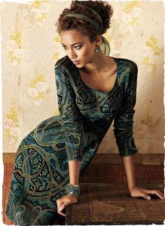 Rich paisleys meld into an artistic swirl of turquoise, olive, black and gold. An elegant silhouette, jacquard knit of divinely soft pure pima cotton.