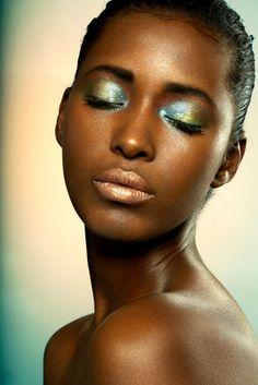 Beauty Bomb: Eyeshadow and Eyeliner Picks for Oily Skin
