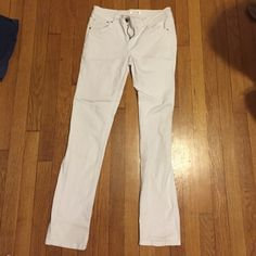 Target white jeans Xhilaration white jeans from Target! Never worn! No stains, tears, or snags! Xhilaration Jeans Skinny