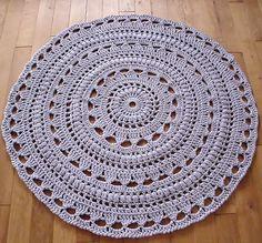 Atelier Rozmaitości: Złośliwy pan czyli moj szydełkowy dywan