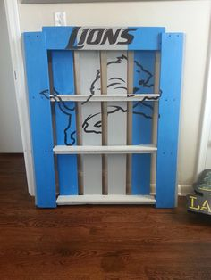 Detroit Lions Shelf Someone Made Out Of Pallets I Need To Find A Way