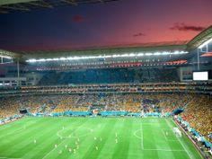Dia inesquecível, de muita emoção... assim como o pôr do sol visto do estádio. #cariocadna #worldcup2014 #copa2014 #Brasil2014 #soccer #futebol #vaitercopa #sunset