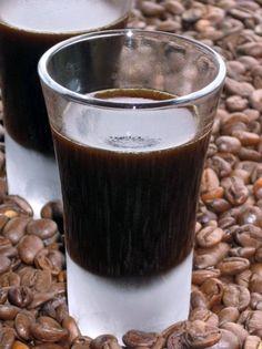 Kávélikőr Shot Glass, Vodka, Recipies, Food And Drink, Alcohol, Cooking Recipes, Pudding, Canning, Drinks