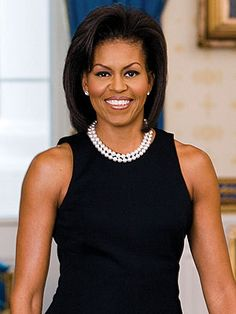 The White House has released its official portrait of First Lady Michelle Obama. In the portrait, Mrs. Obama is wearing a sleeveless black dress designed by Michael Kors. Michelle Obama's . Michelle Obama Fashion, Barack And Michelle, Obama Portrait, First Lady Portraits, American First Ladies, American Women, American Giant, American Skin, Black Women
