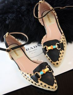 d403bde5a06  18.90 The sweet color metal buckle decorated Polka Dot patent leather  pointed flat shoes-zzkko.com pic