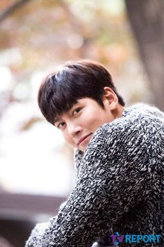 It's that time again! The standard post-drama interviews with Ji Chang Wook are starting to fill up our news feeds, as all the sites in Korea decided to release their various chats with him … Healer Korean, Netflix, Love Me Forever, Ji Chang Wook, Kpop, Korean Beauty, Korean Actors, Kdrama, The Past