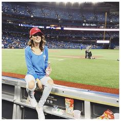 Simple but flirty outfits for a movie date Baseball Game Outfits Date flirty movie outfits simple Baseball Today, Baseball Season, Baseball Game Outfits, Baseball Games, Sports Baseball, Jillian Harris, Baseball Pictures, Dress Me Up, My Style