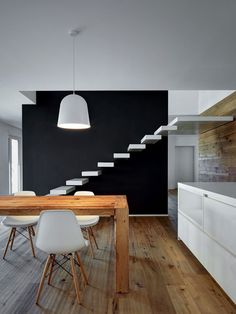 stairway-to-heaven-a-futuristic-italian-home-by-alfredo-vanotti-gessato-6