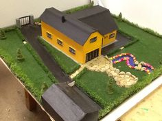 Construction Studies Student House, Scale Models, Diorama, Golf Courses, Study, Construction, Projects, Building, Log Projects