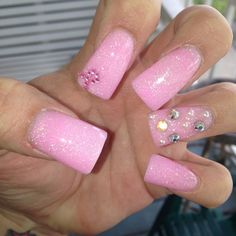 breast cancer awareness nails ♡ #pearls #blingbling