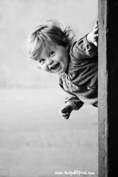 8 Tips for a One Year Old Session by Lisa Tichane of Tout Petit Pixel