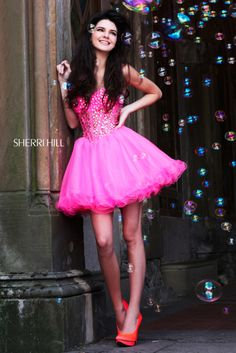 Kendall Jenner in Sherri Hill 21101