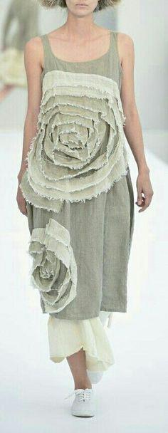 Photography - Do it Yourself Clothes Boho Fashion, Womens Fashion, Fashion Design, Bohemian Mode, Couture Details, Linen Dresses, Mode Inspiration, Clubwear, Diy Clothes